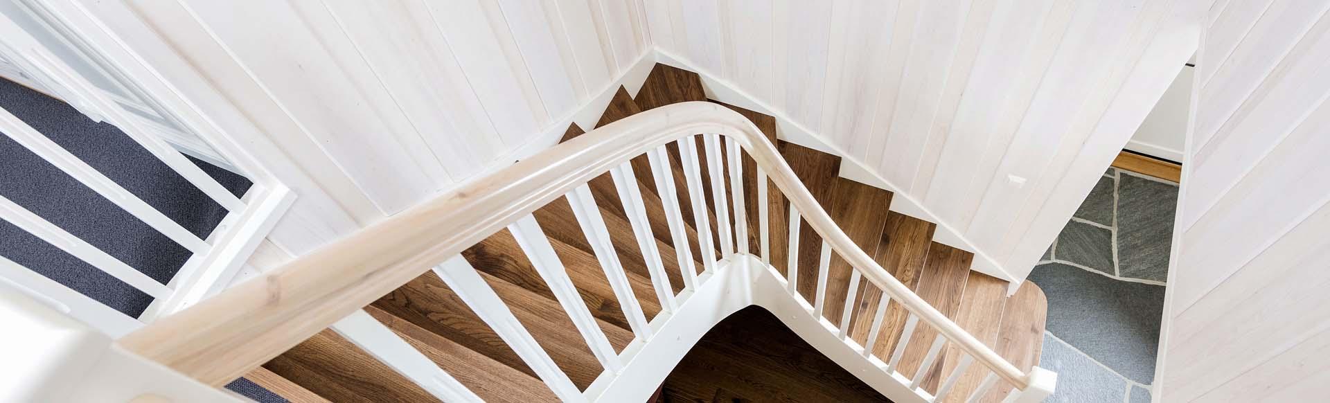 Erøyvik Trevare - Klassisk trapp